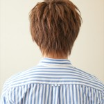 ランダムに動くピンパーマショートヘア